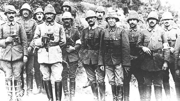 Mustafa Kemal Atatürk'ü Çanakkale ölümden döndüren eşya nedir?