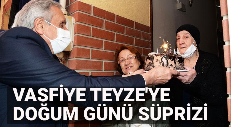 87.Yaşına Giren Vasfiye Teyze'ye Belediye Başkanımızdan Sürpriz Doğum Günü